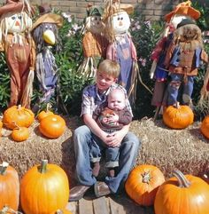 need to get more scarecrows for the photo area