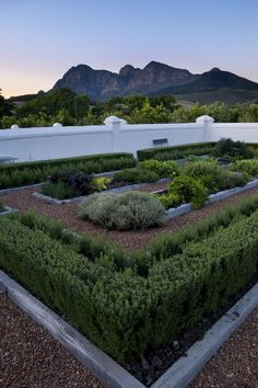 Herb Garden, The Layout Is Practical Combined With Visual. Ie: The Rosemary Boarders The Garden Creating An Appealing Edge And Useful Bug Repellent Garden Villa, Herb Garden, Vegetable Garden, Garden Landscape Design, Garden Landscaping, Zen, Boarders, Outdoor Entertaining, Garden Planning