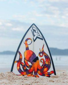 Octopus- Bico de prancha quebrada, decoração, arte feia à mão, tinta tempera ,posca,nanquim