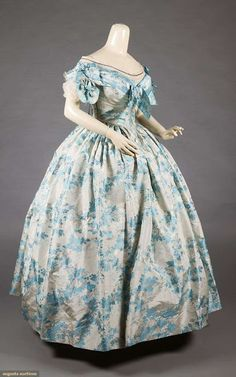 Whidbey Sewing Victorian-Edwardian Fashion Antique and Reproduction Victorian Ball Gowns, Victorian Costume, Victorian Dresses, 1850s Fashion, Edwardian Fashion, Vintage Gowns, Vintage Outfits, Vintage Hats, Moda Lolita