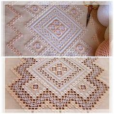 Este es el penúltimo paso que damos en nuestro tapete bordado en hardanger. Hemos bordado todo el calado que hay alrededor de los 3 rombos...