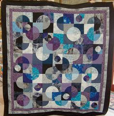 Drunkard's Path quilt pattern