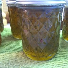 Jalapeno Jelly Recipe - This recipe came from the Black Lakes in Canada. It is the best that I have ever tasted, and very easy to make. Jalapeno Jelly Recipes, Jalapeno Pepper Jelly, Pepper Jelly Recipes, Hot Pepper Jelly, Stuffed Jalapeno Peppers, Jalapeno Jelly Recipe Using Powdered Pectin, Jalapeno Jam, Bell Pepper, Vegetable Drinks