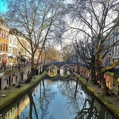 Utrecht canal,Holland.The cities look all alike,don´t they??