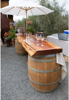 rustic themed wine barrel decorations for country wedding ideas