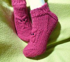 Knitted Slippers, Knitting Socks, Fingerless Gloves, Arm Warmers, Needlework, Knitwear, Knit Crochet, Booty, Pattern