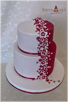 Wedding cake by Tortolandia - http://cakesdecor.com/cakes/306577-wedding-cake
