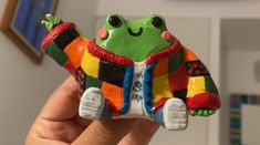 Ceramic Pottery, Pottery Art, Ceramic Art, Diy Clay Rings, Clay Art Projects, Cute Frogs, Cute Clay, Cute Crafts, Frog Crafts