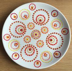 Mandala Painting, Dot Painting, Ceramic Painting, Mandala Art, Pottery Painting Designs, Paint Designs, Plate Wall Decor, Plates On Wall, Stippling Art