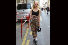 [PARÍS] Más babuchas; en este caso con zapatos Oxford y zoquetes, ¿te animás?. Foto:Agustina Garay Schang