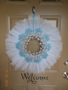 4 Growing Boys: How to fix a styrofoam wreath tutorial Tulle Crafts, Wreath Crafts, Diy Wreath, Holiday Crafts, Tulle Wreath Tutorial, Wreath Ideas, Frozen Christmas, Noel Christmas, Christmas Ornaments