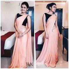 Saree With Designer Blouse Half Saree Designs, Saree Blouse Designs, Indian Dress Up, Saree Designs Party Wear, Sarees For Girls, Simple Sarees, Saree Trends, Saree Models, Stylish Sarees