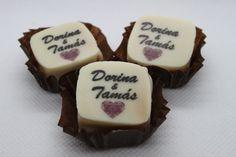 Esküvői köszönőajándék a vendégeknek. Bármilyen logót, nevet, dátumot ráteszünk, amit az ifjú pár szeretne. Az íz- és a színvariációk száma rengeteg!