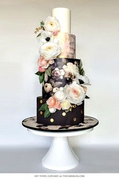 10 Beautiful Black Cakes   including Hey There, Cupcake!   on
