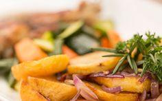 Cantaloupe, Pork, Restaurant, Fruit, Ethnic Recipes, Sweet, Pork Roulade, Twist Restaurant, Pigs