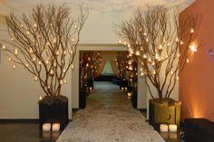 Flower Decorations, Wedding Decorations, Table Decorations, Decor Wedding, Lighted Branches, Backdrop Design, Cute Wedding Ideas, Christmas Wedding, Event Decor