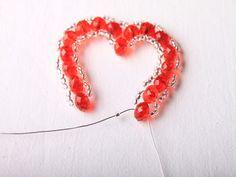 Návod na valentýnské srdce z korálků - 22