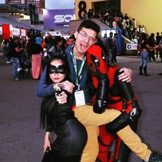 FRIENDS! #sofa2017  malokamundogeek2017 #sofa #spiderman #deadpool #chimichangas #spidey #marvel #marveluniverse #cosplayer #cosplay #marvelcosplay #avenavengersbgers #picoftheday #pic #amazing #amazingspiderman #bestpicture #zentaizentai #spiderclan #spidermanhomecoming#comicbooks  #universosofa #cosplayoftheday #comicon #comicon2017 #expocomicon #marvel #deadpool #cosplaydog #superherocosplay #cosplayingwhileblack