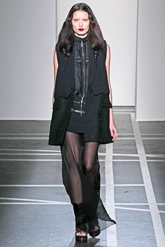 See the complete Givenchy Spring 2011 Ready-to-Wear collection.