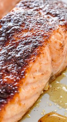 Maple-Crusted Salmon Lachs mit Ahornkruste The post Lachs mit Ahornkruste & Recipes, Dinner Ideas, Healthy Recipes & Food Guide: Salmon with Brown Sugar Glaze appeared first on Salmon recipes . Grilled Salmon Recipes, Fish Recipes, Seafood Recipes, Cooking Recipes, Healthy Recipes, Syrup Recipes, Tilapia Recipes, Grilled Fish, Cooking Tips