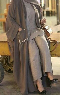 Abaya Fashion, Muslim Fashion, Modest Fashion, Fashion Dresses, Fashion Fashion, Vintage Fashion, Fashion Tips, Iranian Women Fashion, Korean Fashion