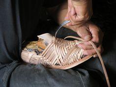 "Weaving the ""Cien Clavos"" Huarache"