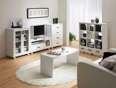 白い家具で統一したリビング