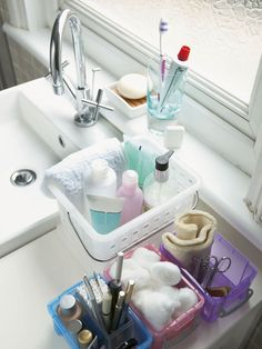 Decluttering the Bathroom, good tips to get organized when you are moving out of your home.