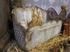 Короб для нужных мелочей `Дружочки`Продан. Очень нужная и полезная в доме вещица - деревянный короб, декорирован в технике  декупаж  и шебби-шик с элементами  старения,  в прованском  стиле. Наведет порядок в Ваших милых сердцу вещицах , баночках, коробочках ,…