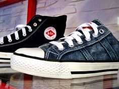 #leecooper #jeans #denim #girl #fashion #style #look #outfit #collection Chuck Taylor Sneakers, Inventions, Blue Jeans, Yves Saint Laurent, Trainers, Girl Fashion, Denim, Outfits, Clothes