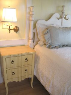 Country Cottage Furniture, Shabby Chic Overstuffed Floral Sofa