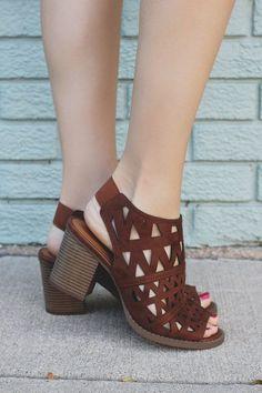 Mejores 863 imágenes de Zapatos en en Pinterest en Zapatos 2018 Zapatos sandals 44e40d