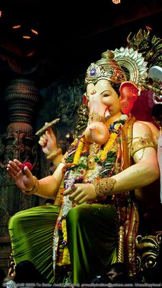 "Raja believed to be ""Navsacha Ganpati"". (which means the fulfiller of all wishes). Ganesh Chaturthi Messages, Ganesh Chaturthi Photos, Happy Ganesh Chaturthi Images, Photos Of Ganesha, Shri Ganesh Images, Ganesha Pictures, Ganesh Idol, Ganesha Art, Ganesha Drawing"