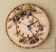 """Часы для дома ручной работы. Ярмарка Мастеров - ручная работа Часы в объем.технике """"Оливки"""". Handmade."""