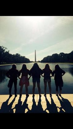 Cool picture to take with friends in Washington DC
