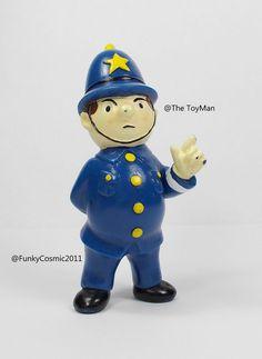 Noddy - PC Plod Toy Mini Figure - 8 Tall - Dekker Toys 1990 (1)