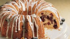 Brunch? Here's a delicious coffee cake to impress a crowd.