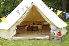CANVAS BELL TENT 4M - USED ONCE - FREE DELIVERY - EUROPEAN HEAVY DUTY CANVAS WITH GROUNDSHEET on Gumtree. I have a 4m canvas bell tent for sale for £250. This price includes free 48hr courier delivery.