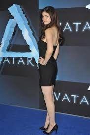 Alexandra Daddario Yoga