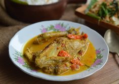 Diah Didi's Kitchen: Ayam Lodho, Nasi Gurih & Urap-Urap Diah Didi Kitchen, Indonesian Cuisine, Poultry, Thai Red Curry, Yummy Food, Yummy Recipes, Pork, Food And Drink, Easy Meals