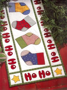 Christmas table runner from The Best of Black Mountain Quilts Christmas Patchwork, Christmas Sewing, Christmas Projects, Holiday Crafts, Christmas Quilting, Purple Christmas, Coastal Christmas, Modern Christmas, Scandinavian Christmas