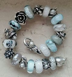 I wish that this was my bracelet - one bead is just nicer than the next .....
