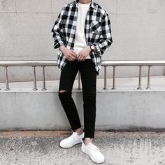 Korean Fashion Trends you can Steal – Designer Fashion Tips Korean Fashion Summer Casual, Korean Fashion Kpop, Korean Fashion Trends, Korean Street Fashion, Ulzzang Fashion, Korea Fashion, Korean Outfits, Trendy Fashion, Mens Fashion