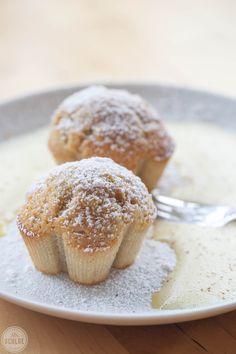 Gewürz-Muffins an Vanilleschaum