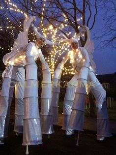 GOLD, SILVER & SHINY acts to hire across the UK. From stilts to acrobats to musicians to dancers - if you are looking for shiny - we have it. Corporate Entertainment, Party Entertainment, Christmas Images, Christmas Themes, Father Xmas, Dancing Santa, Bonfire Night, Baby Fairy, Xmas Party