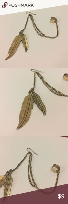 Gold Feather Dangle Ear Cuff Earring Beautiful ear cuff earring piece! This is meant to be worn alone! Super cute and perfect for a festival or a night out! Definitely a gorgeous statement piece! Cotton Jangle Jewelry Earrings