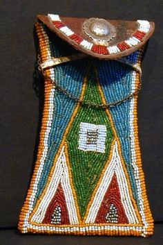 Native American Beaded Bag #NativeAmericanJewelry