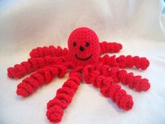Adorable Octopus DIY: Free crochet pattern for the traditional toy. Who wouldn't like to wind their fingers in the curlicues?