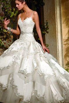 wedding dress  ~Repinned Via Teri Habkirk