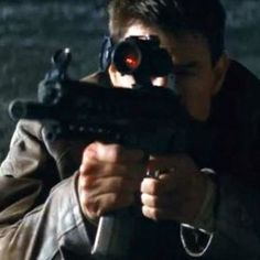 Tom Cruise Is 'Mr. Reacher' in Jack Reacher TV Spot - Lee Child's iconic character springs into action in director Christopher McQuarrie's high-octane thriller.